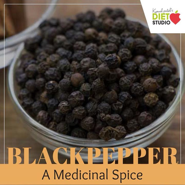 Black pepper is known to provide relief from respiratory disorders, cough , common cold , indigestion.  So include this pepper powder on your salad or your milk for its benefits this monsoon. #monsoon #monsoonhealth #blackpepper #milk #coughandcold #monsoontip