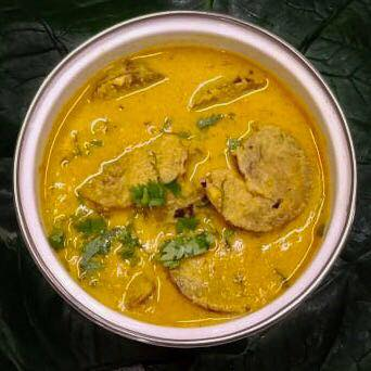 Dinner for today Patoday Curry/ Arbi or Colocasia leaf rolls Curry.  #greens #colocasia #dinner #curry #curries #arbi