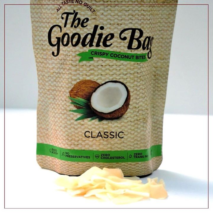 Tried this baked coconut chips.. They are crisp, and gives a immense flavour and taste. Can be added to soup or milk porridge or yogurt. @thegoodiebag #coconutchips #coconut #snacks #healthysnack #goodfood