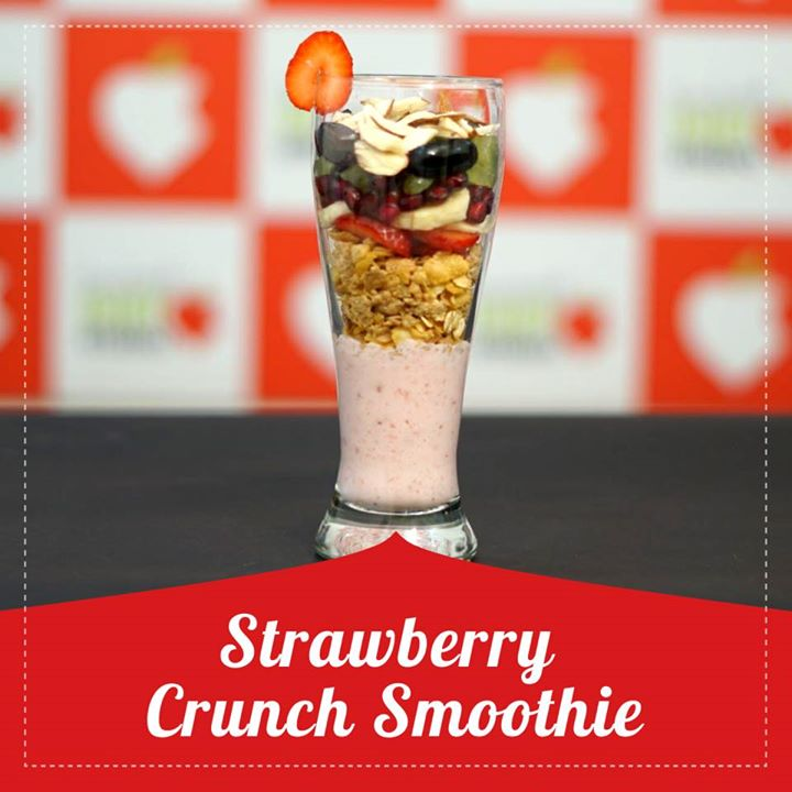 This strawberry smoothie with yogurt is the perfect protein and nutrient rich  Filled with muesli and seasonal fruits this smoothie is rich in antioxidants. #smoothiee #strawberry #yogurt #antioxidants #seasonalfruit #healthyrecipe