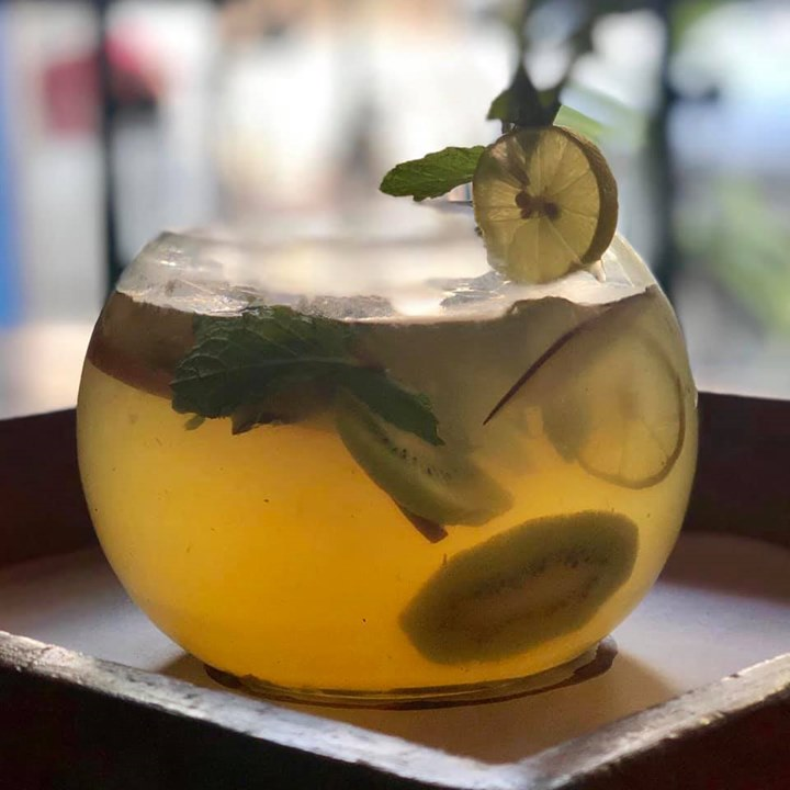 Give your H2O an invigorating upgrade with fruit and herbs. #infusedwater #detoxwater #fruitinfused #apple #lemon #orange #mint