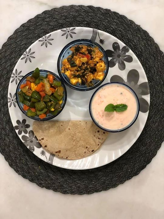 Dinner for today  A balanced plate  🥦Sautee veggies  ( To complete fiber intake ) 🍲Paneer bhindi masala  ( tried combining some protein to the veggie 😜 and paneer my sons favourite ingredient)  🥕Carrot and mint raita  ( protein with a tinch of veggie )  🥪Phulka roti  ( An required carb)   Let's try to eat healthy and balanced for maintaining healthy body..   #nutritionmeal #nutrionist #dietitianmeal #healthymeal #balancedmeal #indianfood