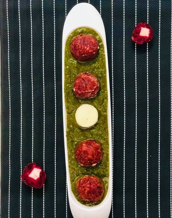 Palak Paneer and Malia Kofta are the two classics of every Indian house. But what would happen if you combine the two??..................  So here is Palak Paneer with beetroot Kofta!!   Filled with the goodness of (sailor man) Popeye's favorite