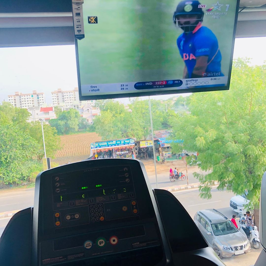 Working out while watching your favourite game is fitness with fun. Reminder  Don't forget to move or stretch your body every hour. Don't be a couch potato  #fitness #fun #workout #cricket #cricketworldcup