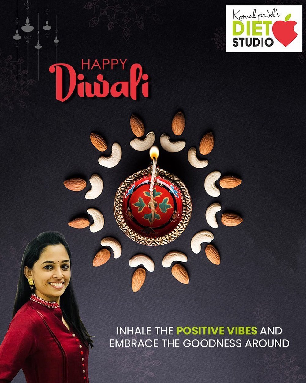 Inhale the positive vibes and embrace the goodness around  #HappyDiwali #IndianFestivals #Celebration #Diwali #Diwali2019 #FestivalOfLight #FestivalOfJoy #komalpatel #diet #goodfood #eathealthy #goodhealth
