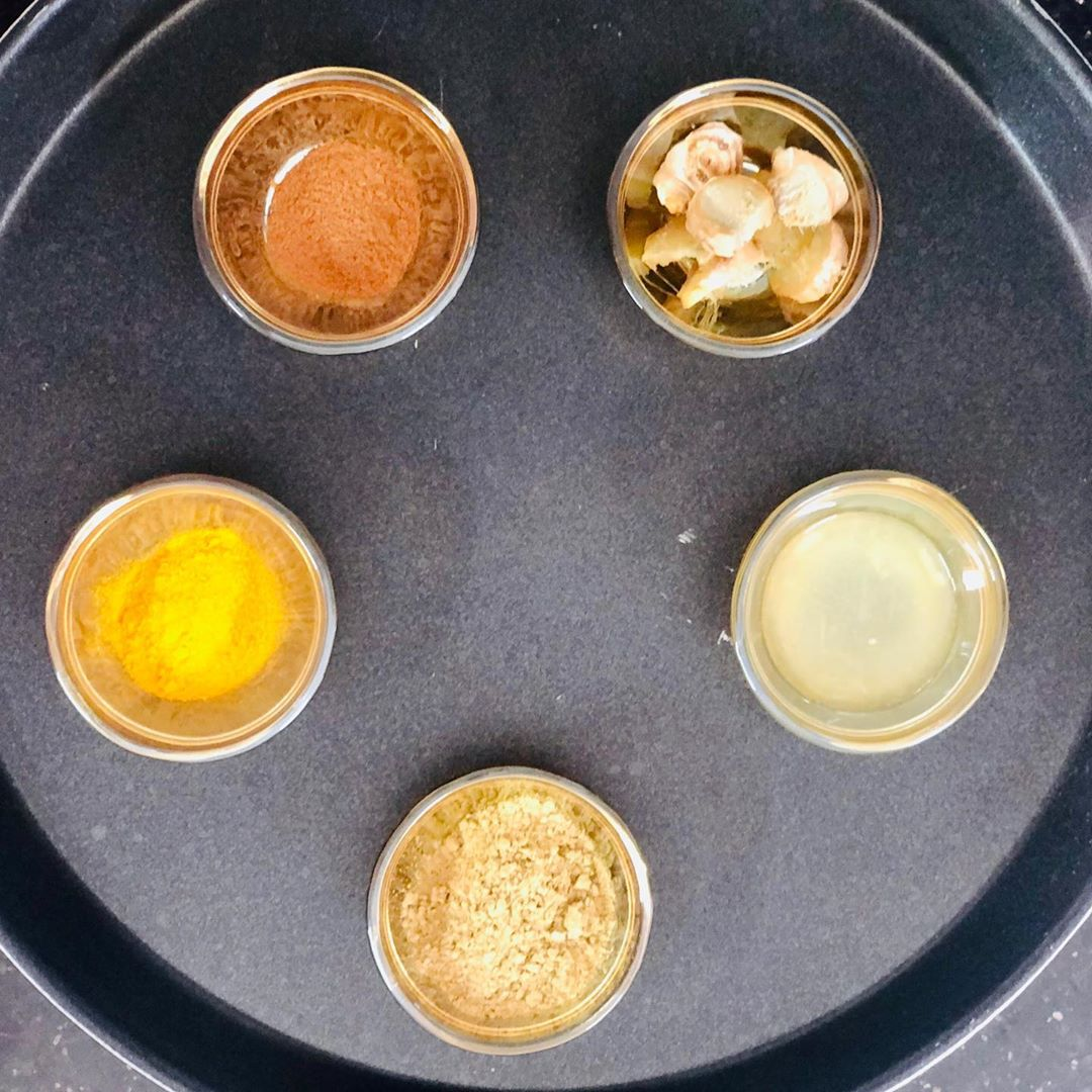 Immunity boosting concoction  Water  Amla powder - 1tsp  Cinnamon powder - a pinch  Turmeric powder - a pinch Ginger slice - 2-3  Lemon juice  Honey - 1spoon  Direction :  Boil cup of water  Add all ingredient except lemon juice . Boil it for 5-7 min. Cool down and add lemon juice.  #komalpatel #immunity #immunitybooster #amlatea #amla