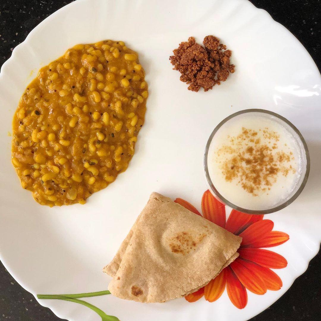 Komal Patel,  proteins, kpmeals, rajgeera, blackeyepeas, curd, flaxseed, komalpatel, diet, lunchideas, healthylunch, healthymeals, balanceddiet, dietitianmeals