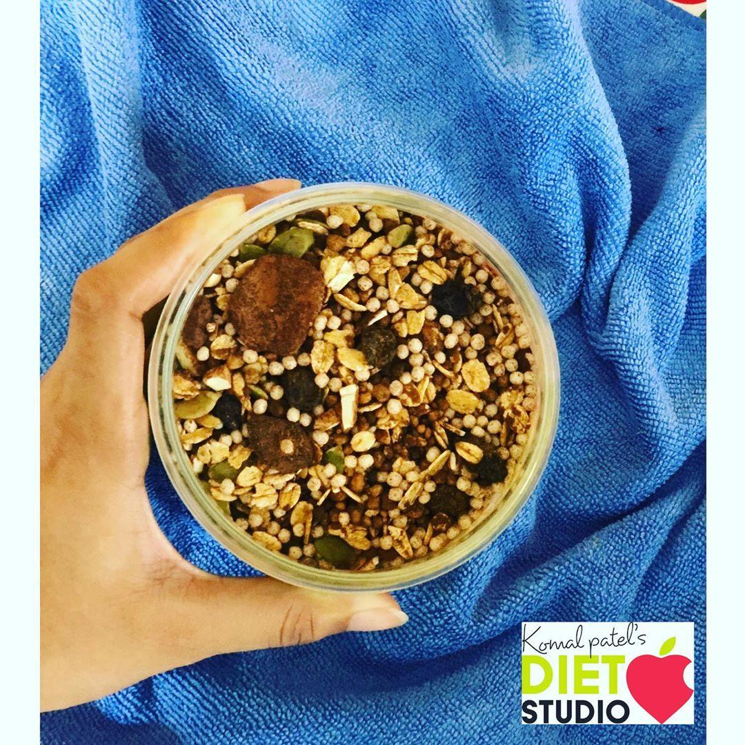 """HEALTHY GRANOLA / CEREAL"" INGREDIENTS:-  ~ Rolled Oats ~ Rice Puff  ~ Cashew  ~ Jaggery Powder ~ Pumpkin Seed ~ Flakes Seed ~ Raisins ~ Dried Cranberries  ~ Cinnamon Powder ~ Coco Powder  #healthycereal #granola #breakfastideas #komalpatel"